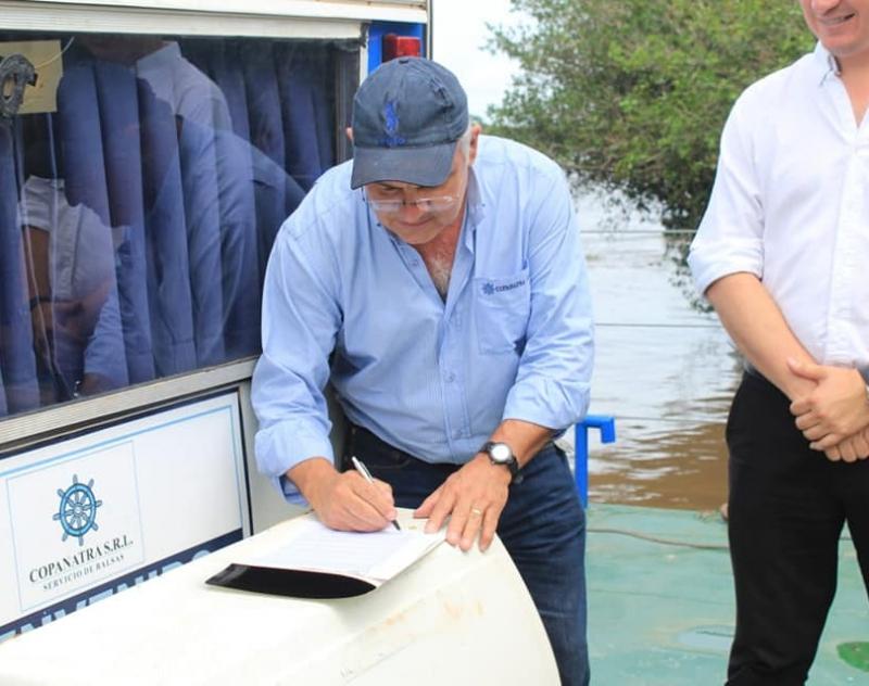 Firma de ampliación de Convenio entre la Gobernación de Ñeembucú y la empresa San Martinho S.A