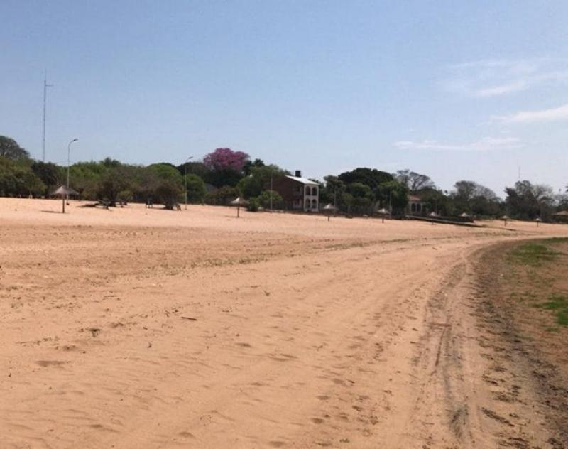 Gobernación de Ñeembucú proyecta mejoramiento de la playa del Lago Sirena