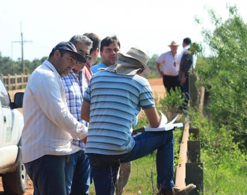 Relevamiento de datos georeferenciados del estado actual de canales naturales de las cuencas del Ñeembucú y Yakare