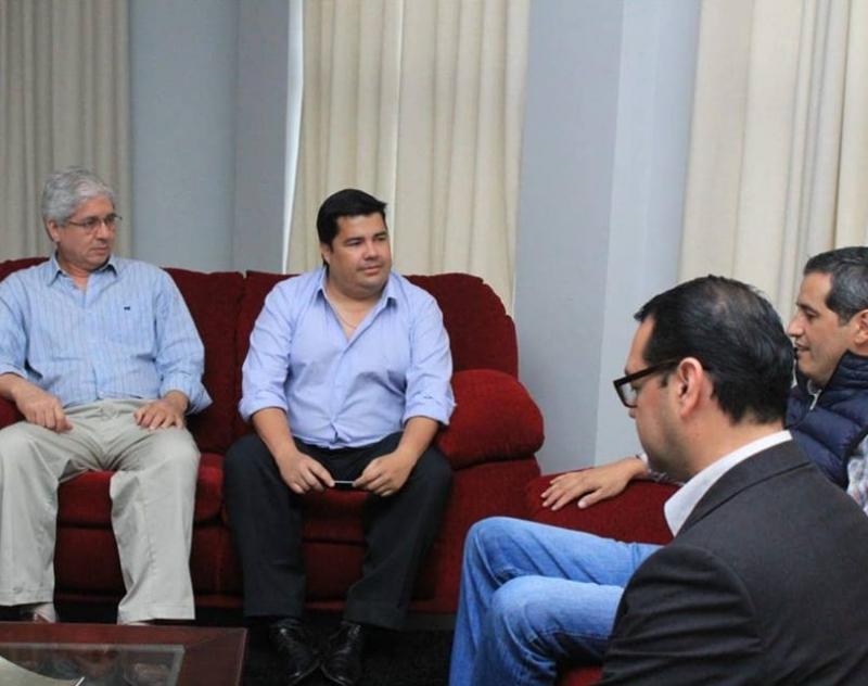 Gobernación de Ñeembucú y SICOM proyectan firma de convenio