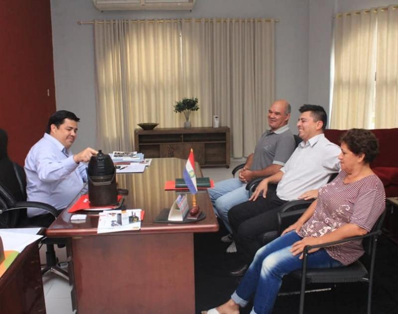 Directivos de COPLAMA se reunieron con el Gobernador de Ñeembucú