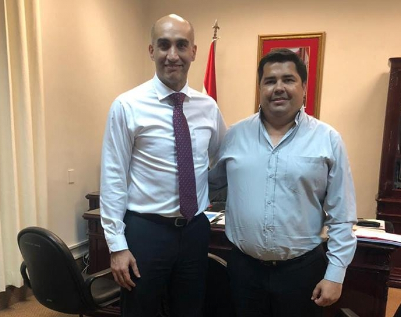 Gobernador de Ñeembucú, presentó proyectos al Ministro de Salud Pública y Bienestar Social