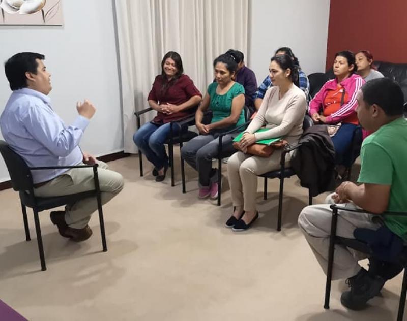 Comunidad Educativa de la Escuela San Francisco de Pilar, celebra positiva reunión con el Gobernador