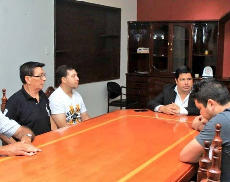 Comisión del Barrio San Roque fue recibida por el Gobernador de Ñeembucú Lic. Luis Benítez
