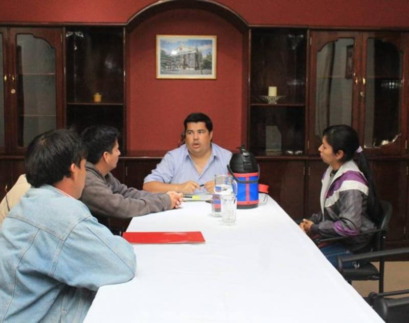 Gobernador de Ñeembucú atiende audiencias