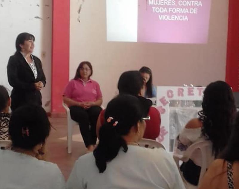 Presentacion de la Secretaria de la Mujer en Desmochados