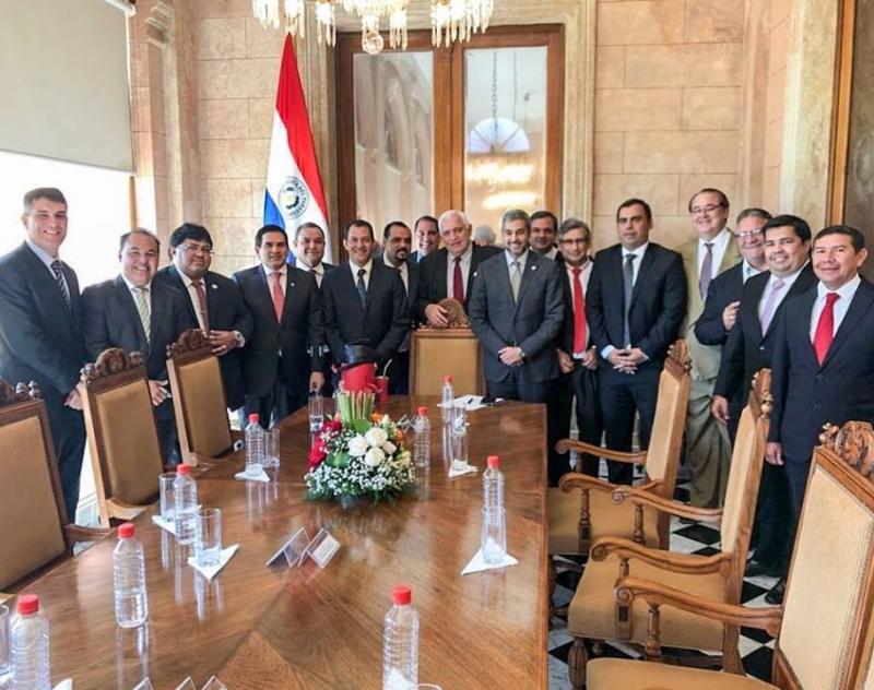 Gobernador de Ñeembucú, se reunió con el Presidente de la República