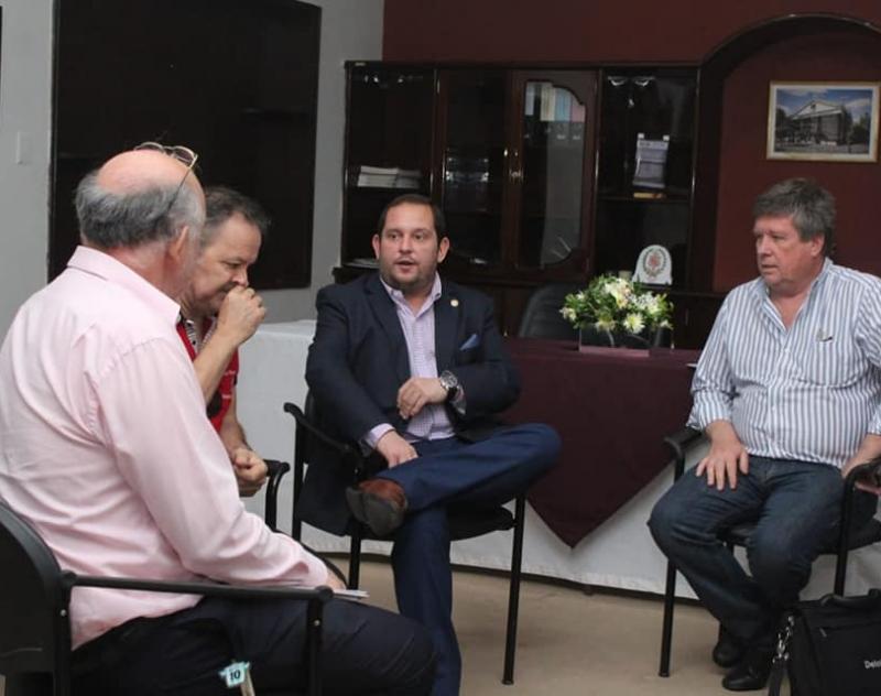 Empresarios argentinos visitaron la Gobernación de Ñeembucú