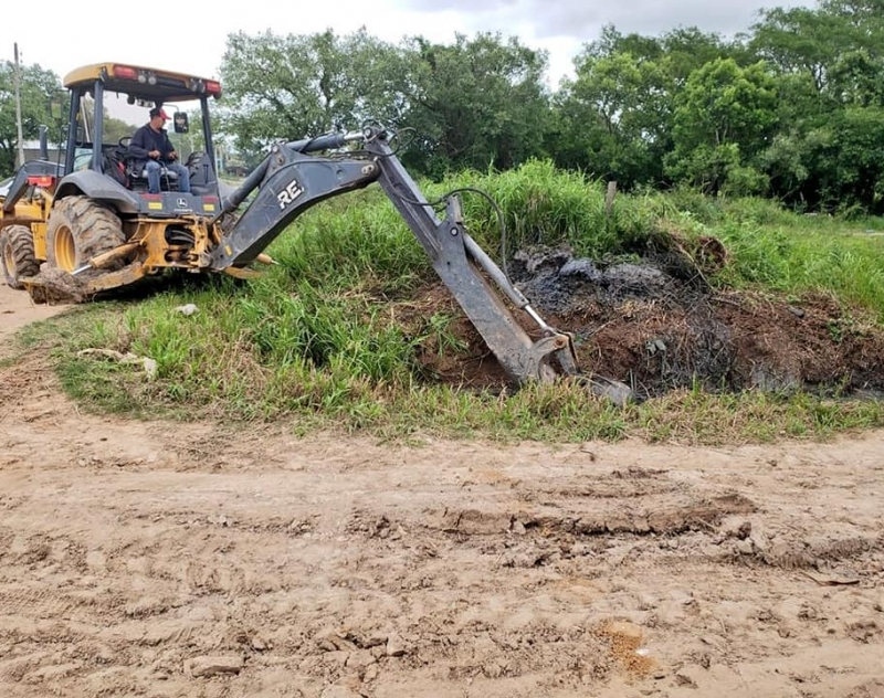 Recuperación de caminos vecinales de los distritos del Norte de Ñeembucú