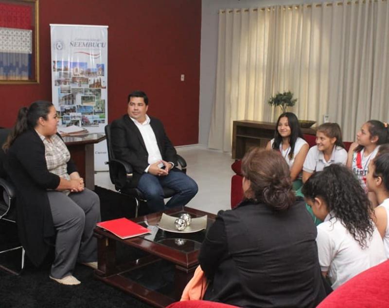 Recibimiento a las integrantes de la Selección Escolar Paraguaya (Fem.) de Básquet U14