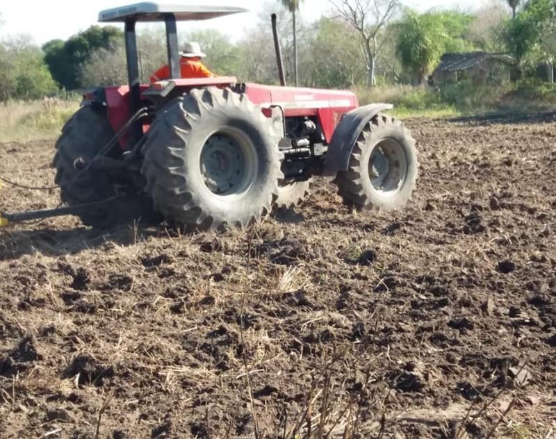 Inicio de trabajos de preparación de suelo en Villa Oliva
