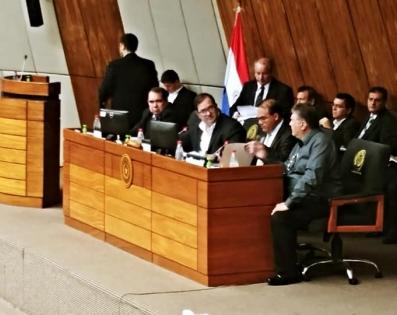 Gobernador de Ñeembucú concurre a la Comisión Bicameral ...