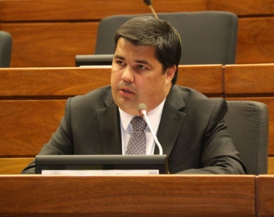 Gobernador de Ñeembucú, solicita reposición de recorte presupuestario, ...