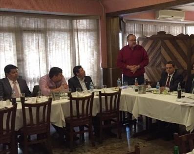Almuerzo de trabajo con el Ministro de la SENAVITAT